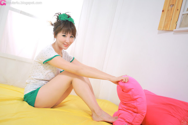 1 Yeon Da Bin - White and Green-Very cute asian girl - girlcute4u.blogspot.com