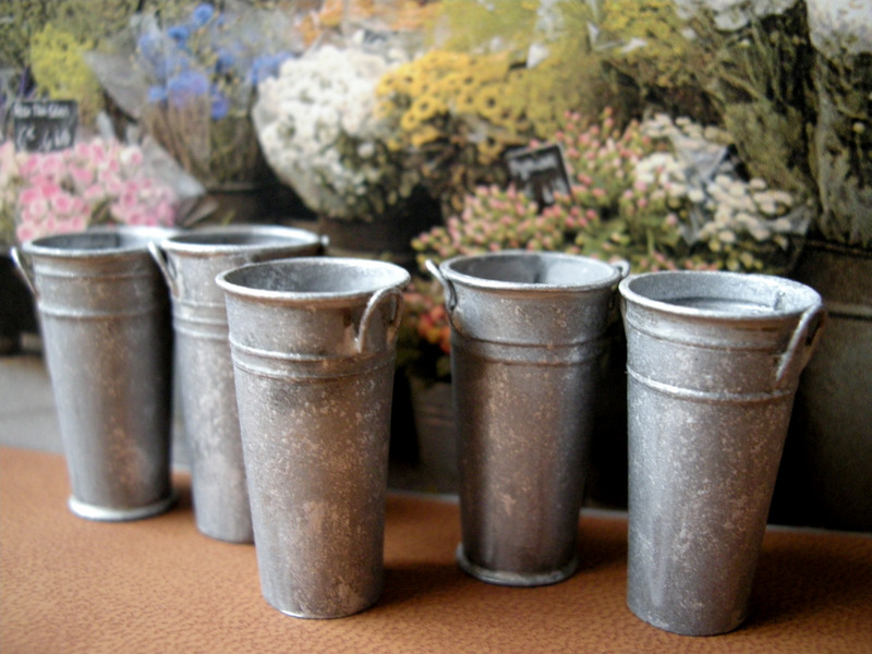 Kilmouski me french flower buckets pails for Large galvanized buckets for flowers