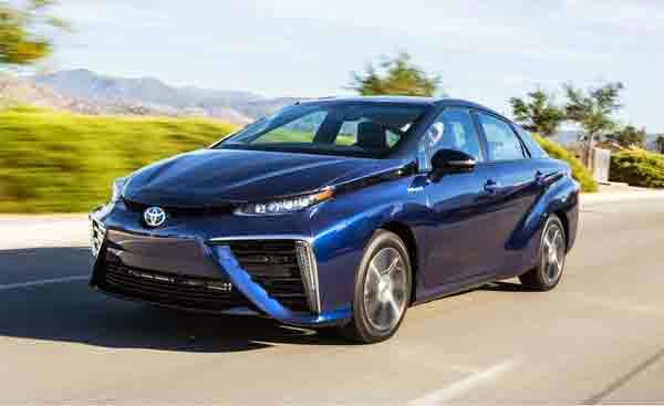2015 Toyota Mirai Hydrogen Fuel-cell Sedan Review