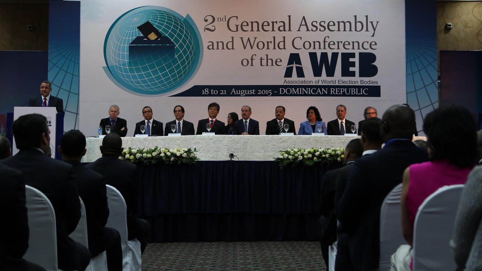 asisti al acto de apertura de la ii asamblea general de la asociaci n mundial de organismos electorales a web que tuvo lugar en el sal n mbar del