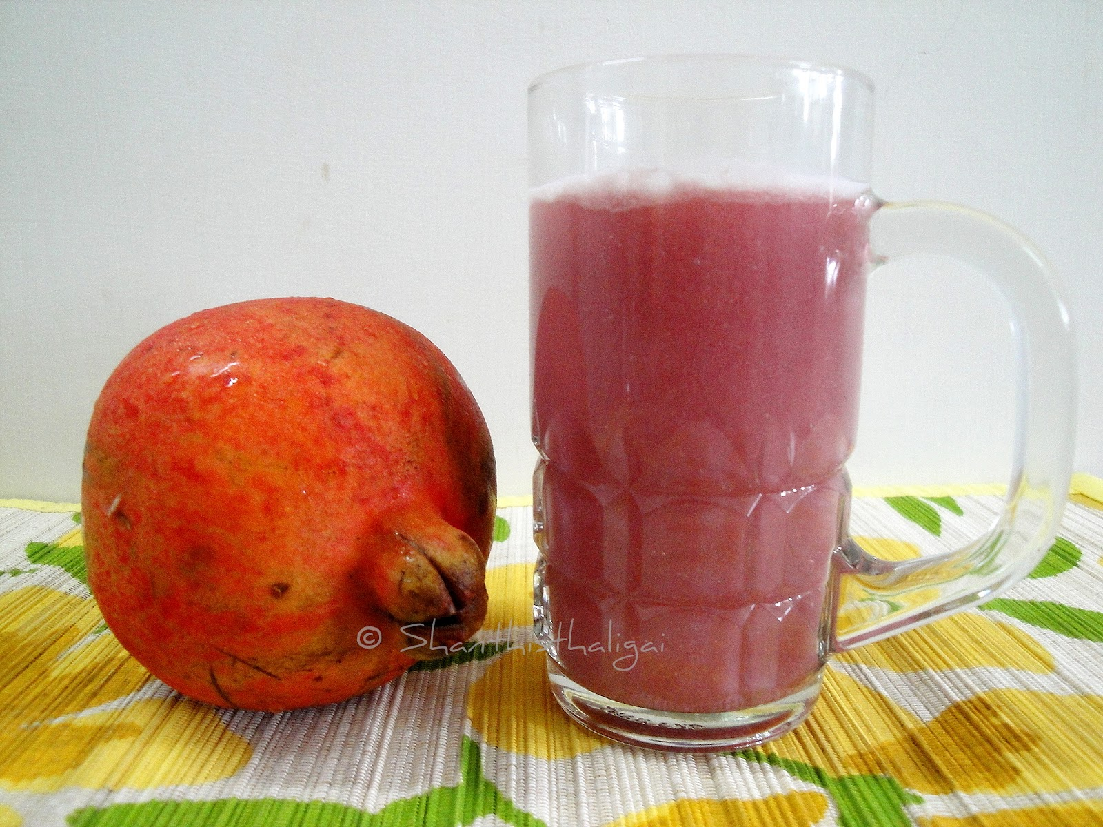 POMEGRANATE JUICE, HOW TO MAKE POMEGRANATE JUICE
