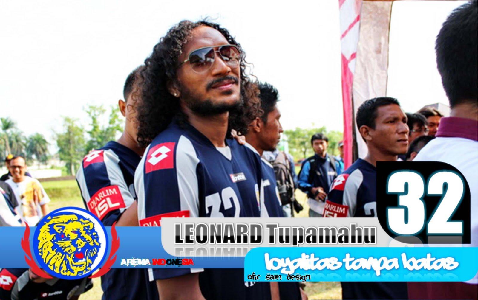 http://4.bp.blogspot.com/-XDKE7aGSuKg/TexOIyKYWeI/AAAAAAAAARs/-854MmfTtwQ/s1600/wallpaper+arema+indonesia+2011+edisi+JUNI+by+%2528ofic+sam%2529+fb..+boy_gassipers%2540yahoo.co.id+11.jpg
