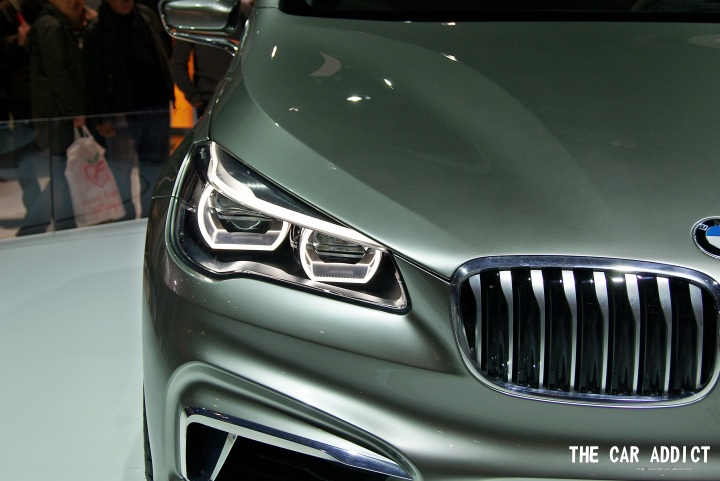 the headlamps of the new BMW Concept Active Tourer