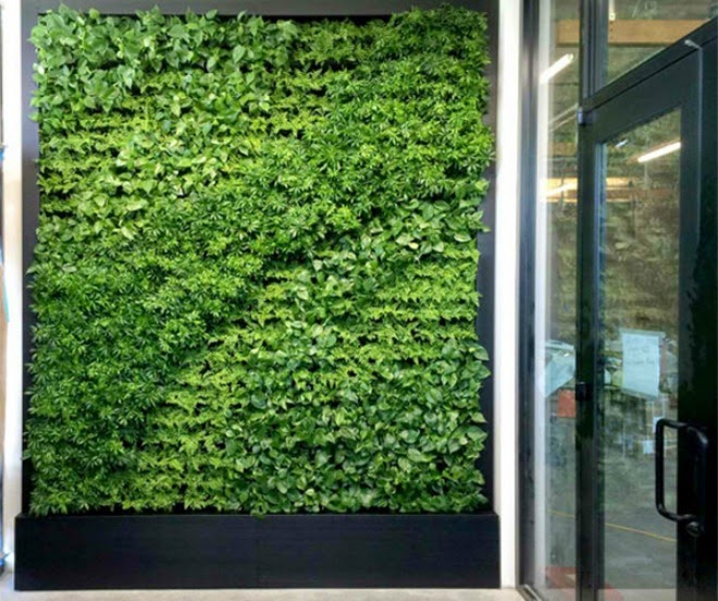 the green walls with 506 small pots | Vietnam Outdoor Furniture