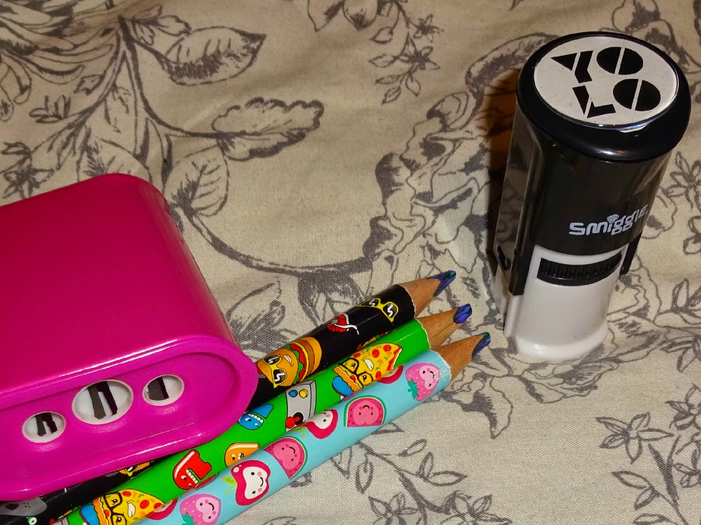 smiggle stationary uk, smiggle sharpener and stamp