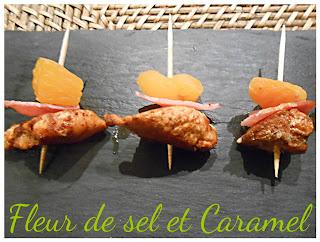 Brochettes apéritives : poulet aux épices, baonc et abricots secs