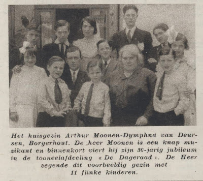Het gezin Arthur Moonen-Dymphna van Deursen uit Borgerhout met hun 11 kinderen.