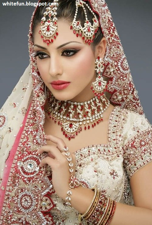 Indian wedding dresses for girls shadi pictures for Indian wedding dresses for girls