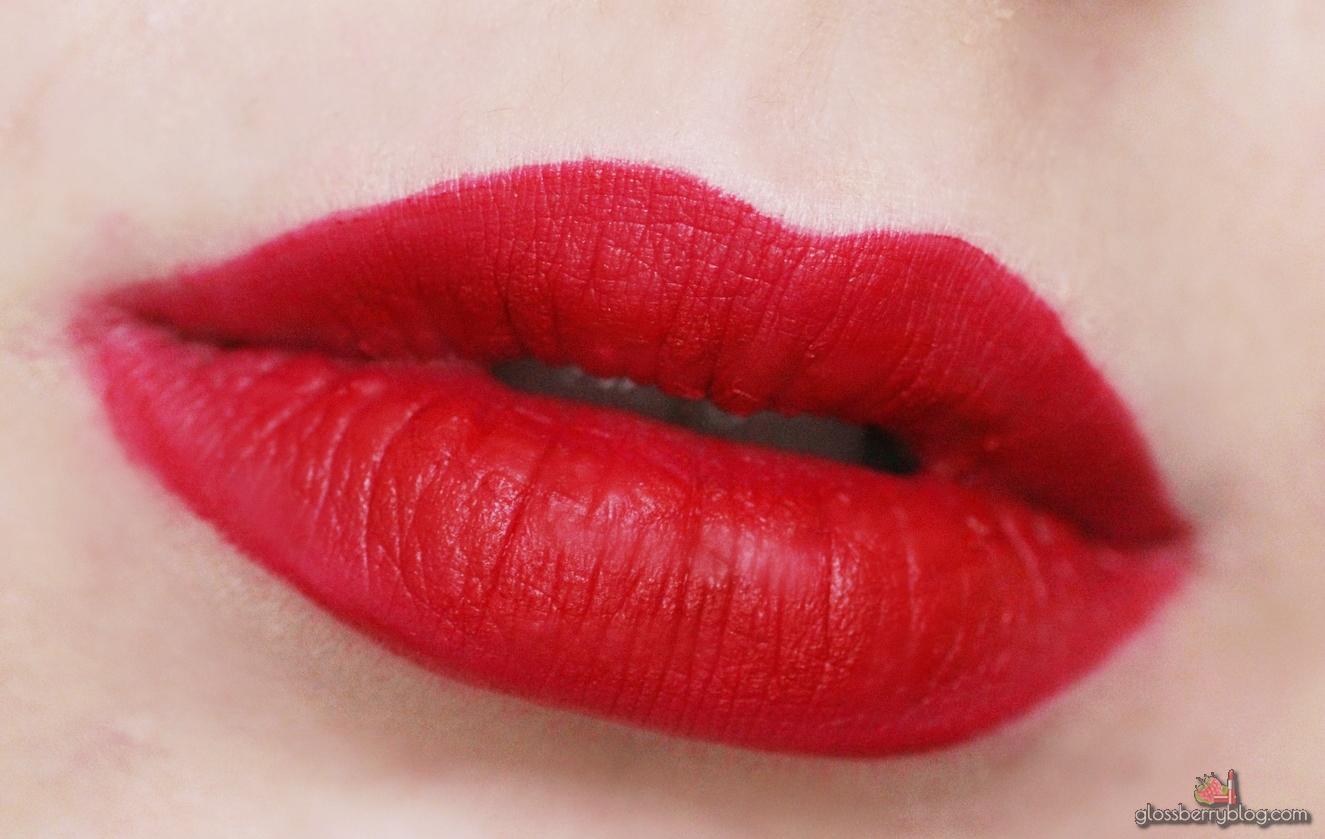 ofra atlantic city long lasting liquid lipstick lipcolor lipswatch swatch review סקירה המלצה שפתון עפרה עמיד נוזלי מאט אטלטיק סיטי גלוסברי בלוג איפור וטיפוח glossberry beauty blog red אדום