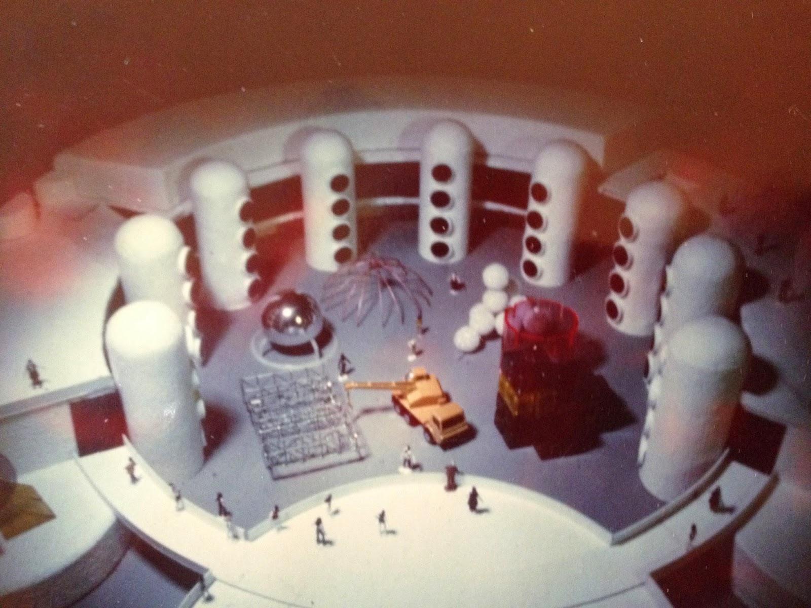Eugene Ray Architect FLASH OF LIGHT 10 a christmas season review