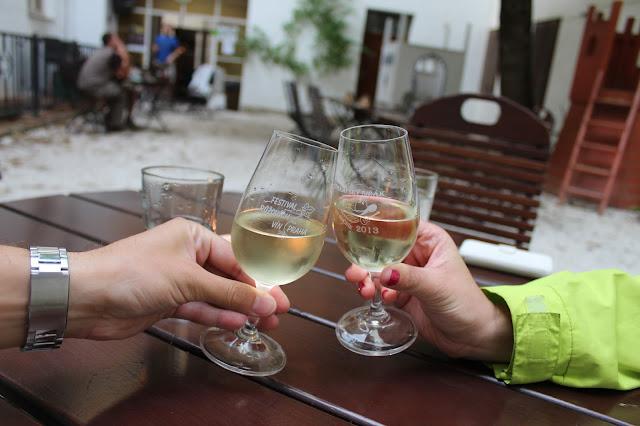 """víno ve sklípku U Zajíce // wine in wine cellar """"U Zajice"""""""