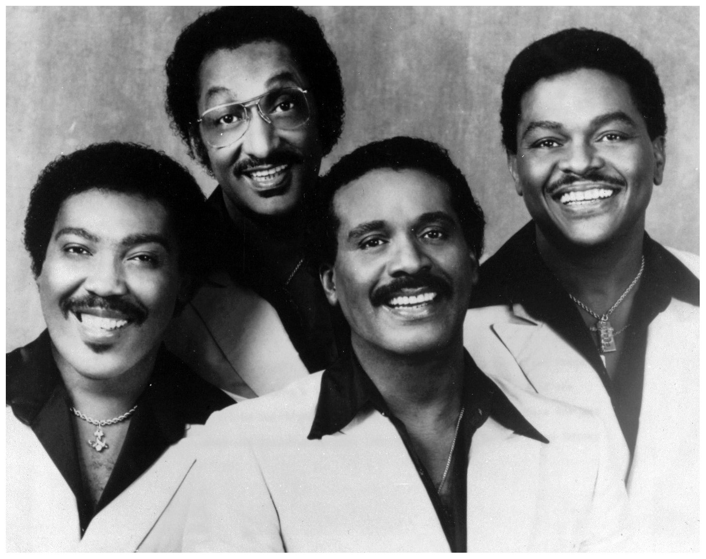 the four tops A1 - standing in the shadows of lovea2 - the keya3 - 7 rooms of glooma4 - where did you goa5 - daydream believera6 - honeyb1 - loving you is sweeter than ev.