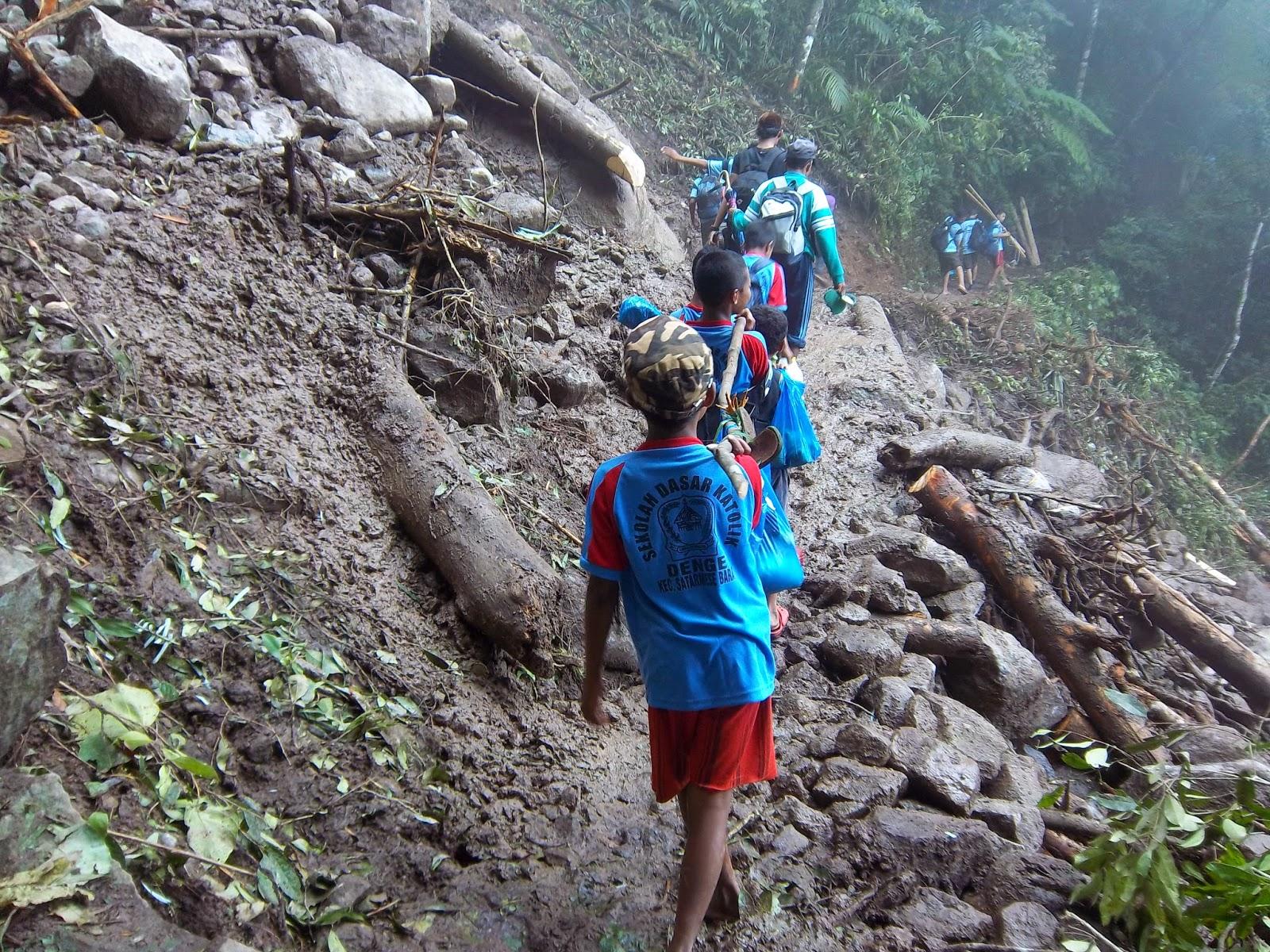 Perjalanan menuju kampung Wae Rebo 2