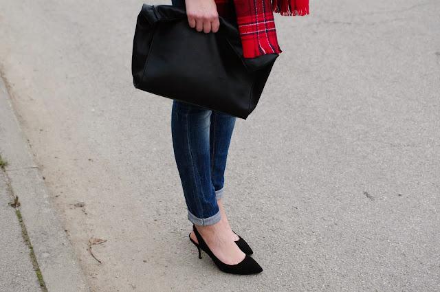 tartan scarf, H&M scarf, plaid scarf, fashion trend, checked, plaid, tartan trend, red tartan, leather jacket zara, leather lunch bag, ltb jeans, pointy kitten heels primark, fashion blog, fashion blogger tartan trend