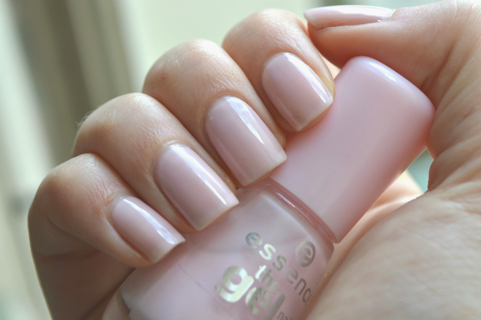 Essence Sweet As Candy Swatch
