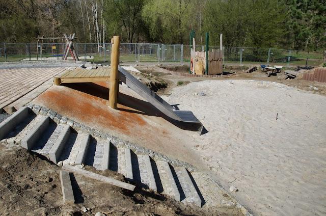 Baustelle Neubau eines Spielplatzes, Am Malchower See, Nähe Hohenschönhauser Weg, 13051 Berlin, 27.03.2014