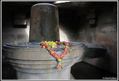 Shivlinga temple, Hampi