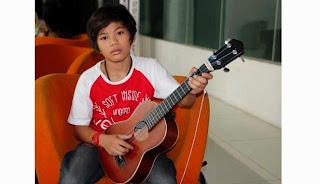 free download lagu mp3 Pantaskah Surga Untukku - Tegar + syair dan Lirik serta gambar kunci chord gitar lengkap
