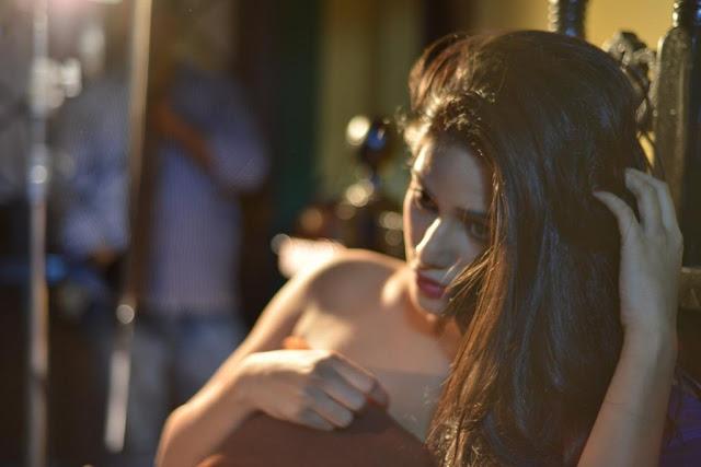 Poonam Pandey's First Photoshoot of Film Nasha Photo Gallery