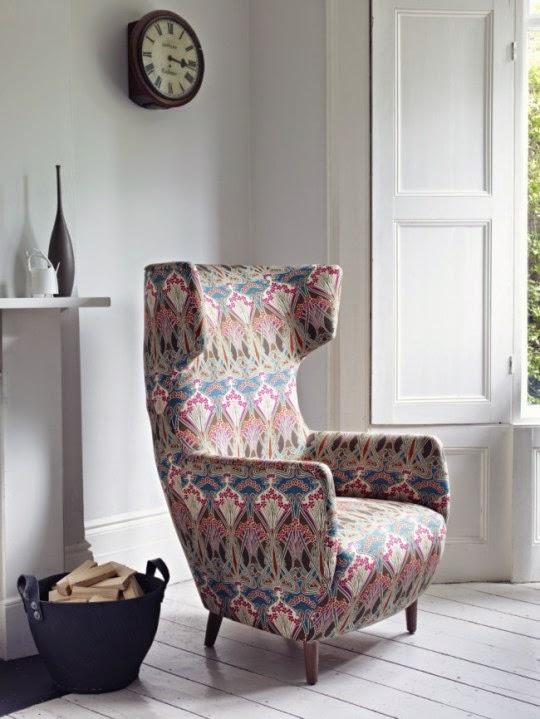 цветное кресло