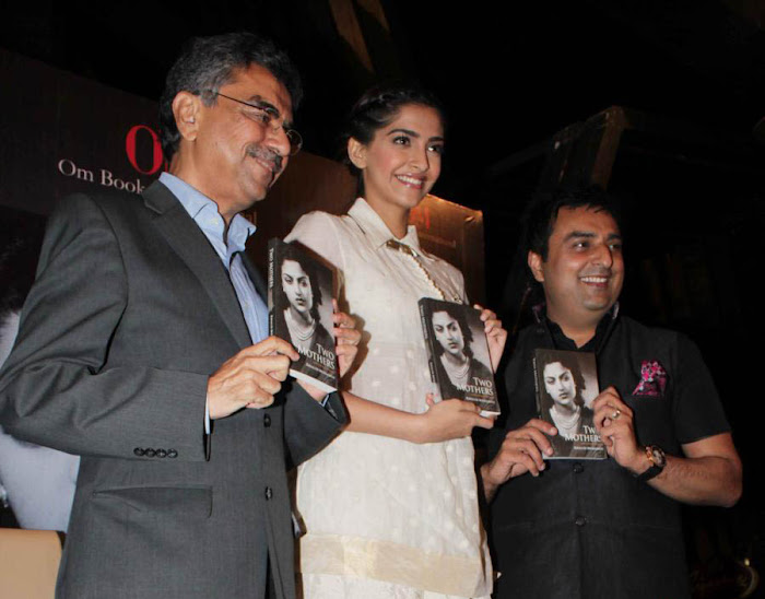 sonam at khalid mohammed book launch unseen pics