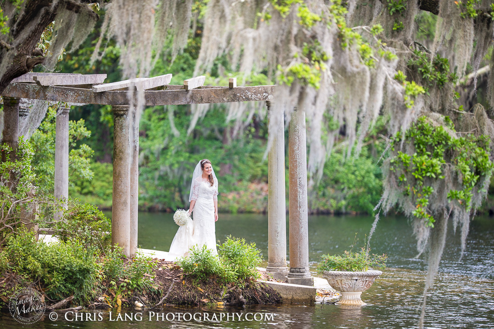 Airlie Gardens Wilmington NC Picture of Bride at the Pergola