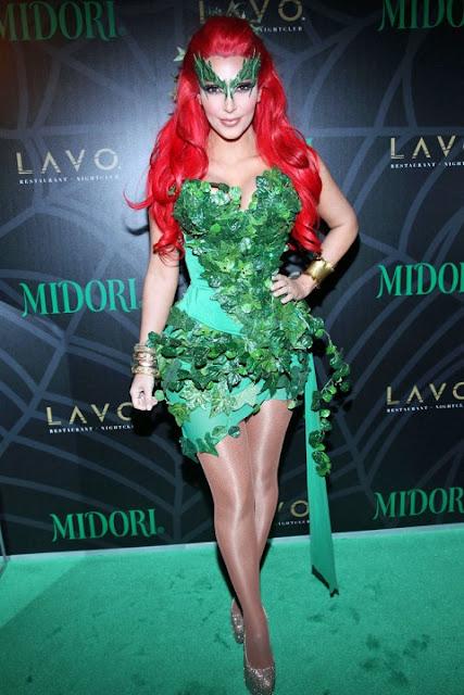 Poison+Ivy+Kim+Kardashian+Halloween+2011
