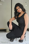 Alekya Photos in Black at Aa Aiduguru Press meet-thumbnail-6