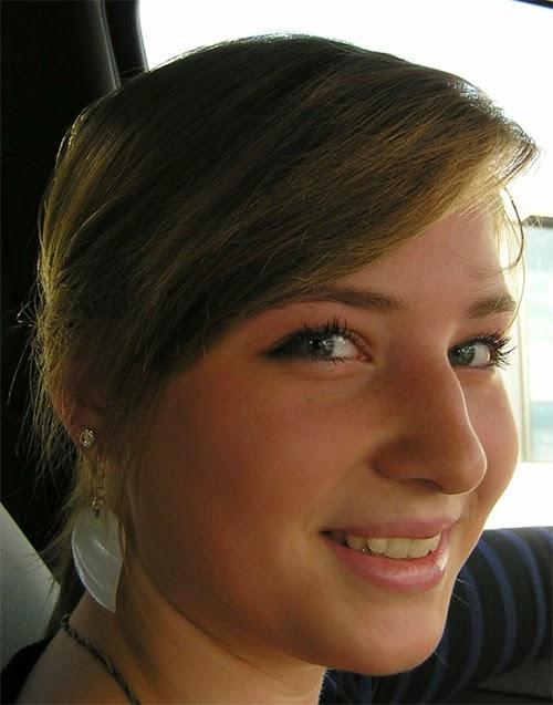 Whiten Teeth to Improve a Smile in Photoshop