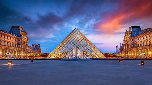 Atardecer desde el Museo del Louvre en Paris Francia