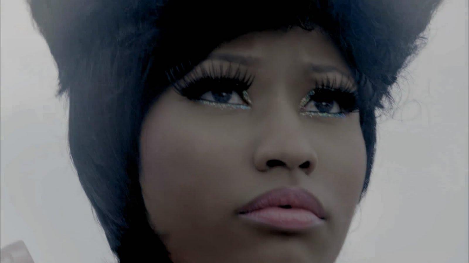 http://4.bp.blogspot.com/-XG38NXIlrdg/TmFKq_3pZlI/AAAAAAAAD0U/AMFzhJjXV38/s1600/Nicki+Minaj+Feat.+Rihanna+-+Fly.mp4_snapshot_00.48_%255B2011.09.02_18.11.17%255D.jpg