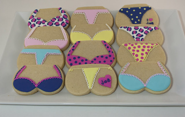 Bra and thong cookies