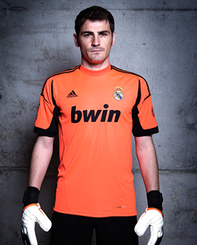 (PEDIDO) Uniforme l Real Madrid 12-13