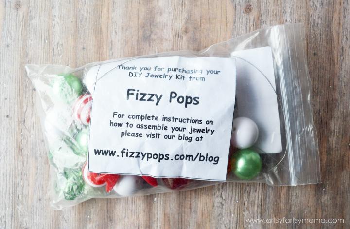 Holly Jolly Christmas Necklace Kit at artsyfartsymama.com
