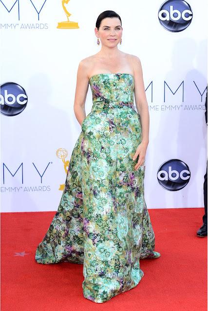Julianna Margulies vestido de Giambattista Valli Emmy 2012.