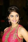 Surabhi glamorous photos in pink-thumbnail-13
