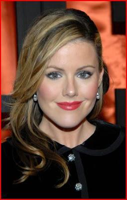 Kathleen Robertson celebridades del cine