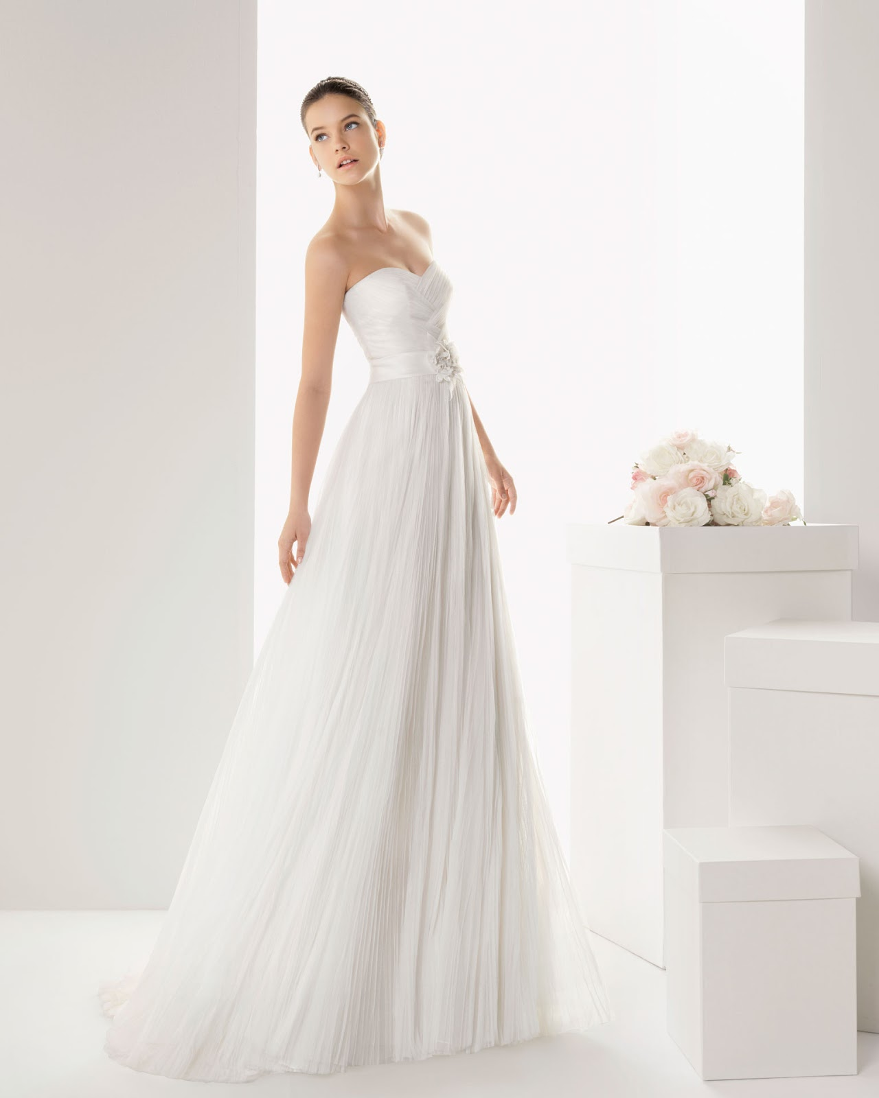 Peinados Para Vestidos De Palabra De Honor - Peinados de novia según el escote del vestido Bodaclick