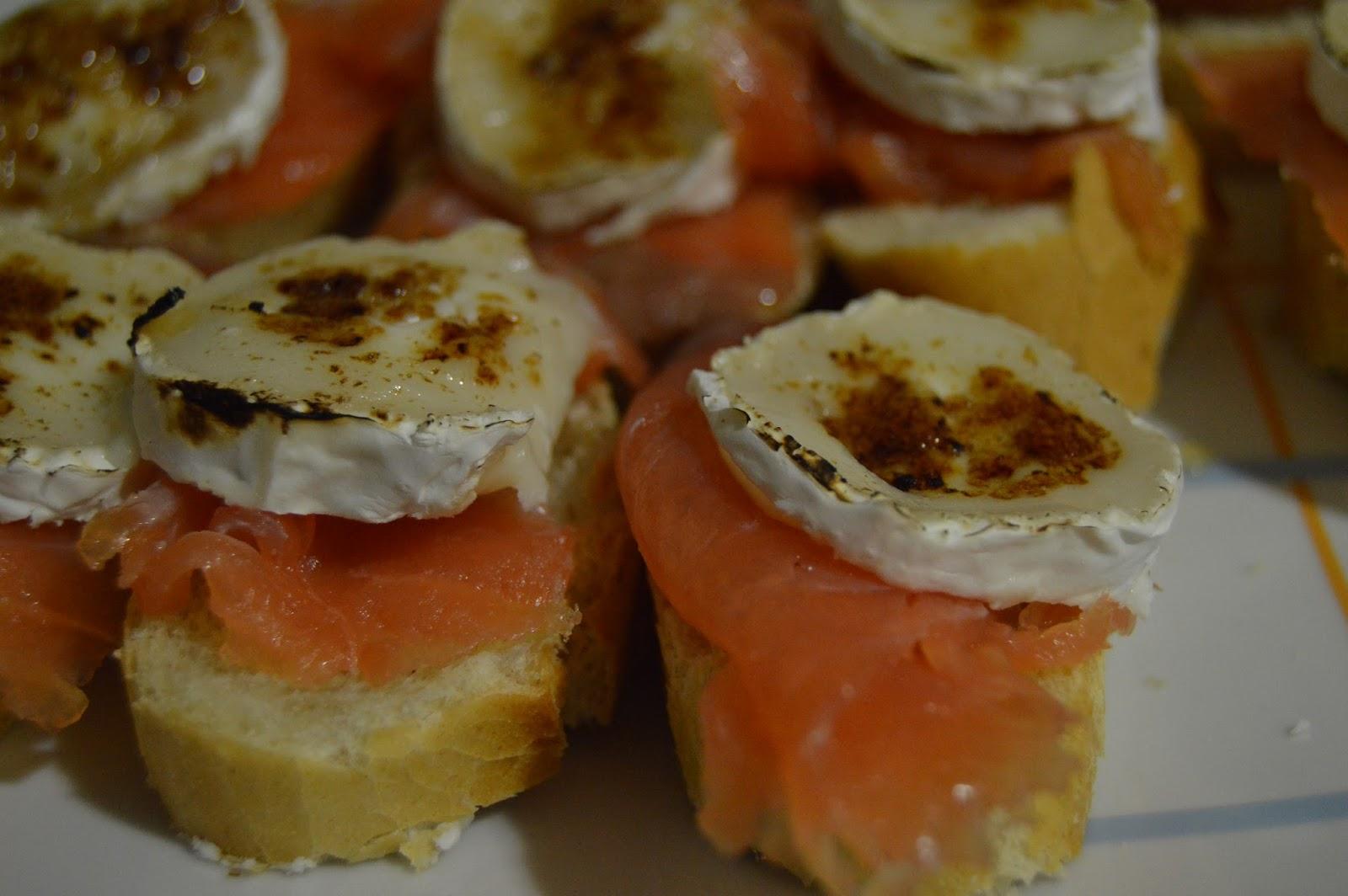 tapas de salmón con queso