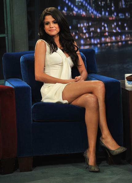 Dolly Shahine Feet Steal Their Style: Jun...