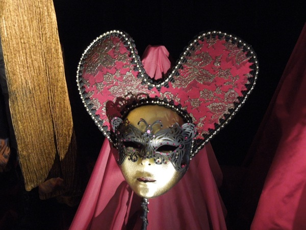 Queen of Hearts mask Once Upon a Time