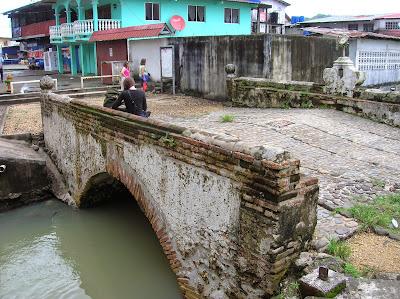 Puente camino real, Portobelo, Panamá, round the world, La vuelta al mundo de Asun y Ricardo, mundoporlibre.com