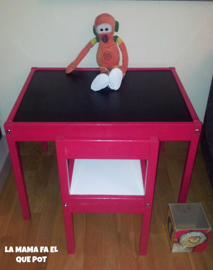 Tuneando mesa y silla latt de ikea la mama fa el que pot for Ikea mesa y sillas ninos