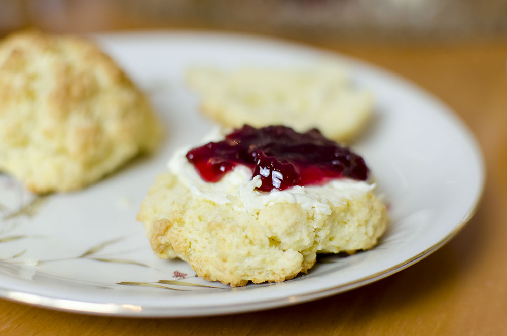 7forxmas scones mit clotted cream. Black Bedroom Furniture Sets. Home Design Ideas
