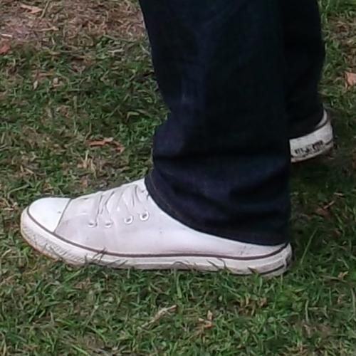 Alakformálás Converse tornacipőben