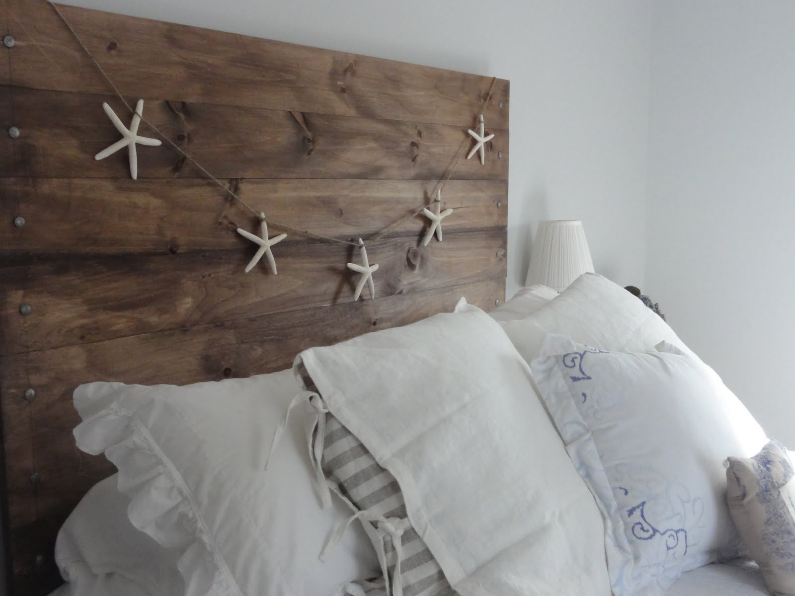 Diy project a 39 reclaimed 39 wood heaboard finding silver for Diy bed head project