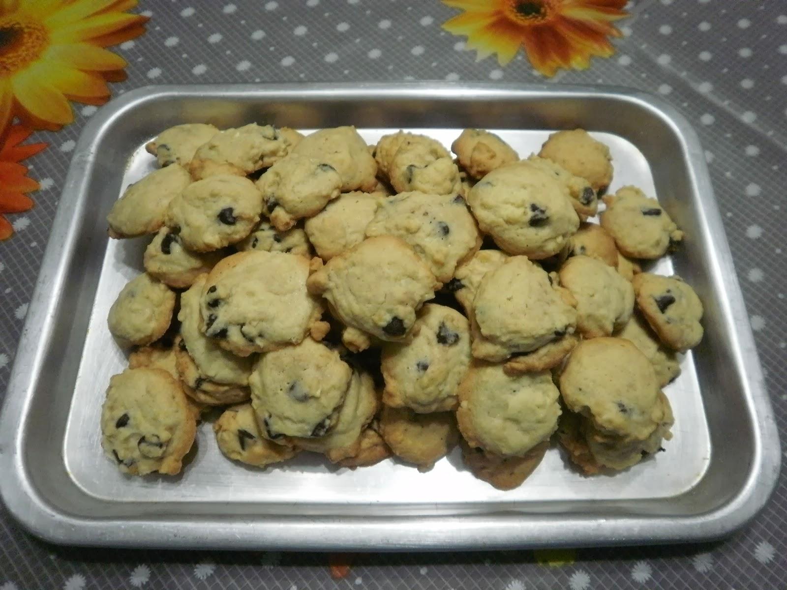 Zara ♥ Baking: CRUNCHY CHOCOLATE CHIP COOKIES
