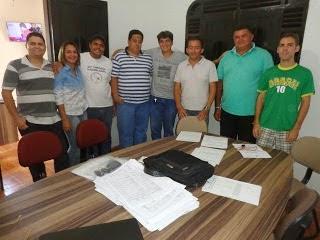 Vereadores da bancada do prefeito de Mari se reúnem para discutir os problemas da cidade e indicar