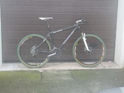 Vendo Bicicleta de BTT em Carbono