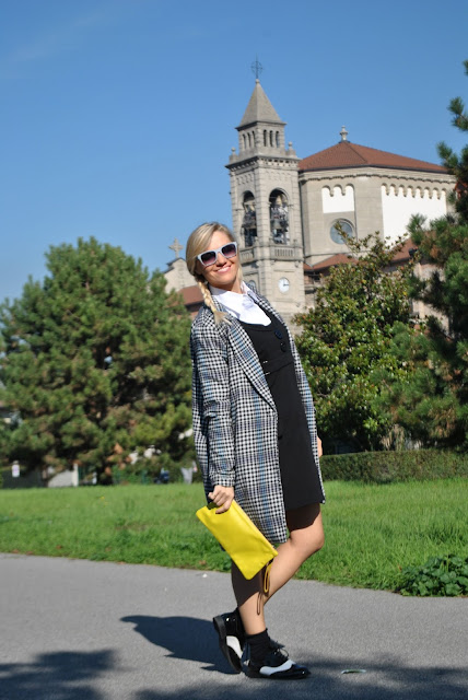 outfit bianco e nero come abbinare il bianco e nero abbinamenti bianco e nero outfit autunnali outfit novembre 2015 borsa gialla outfit borsa gialla come abbinare una borsa gialla abbinamenti borsa gialla yellow bag  mariafelicia magno fashion blogger colorblock by felym fashion blog italiani fashion blogger bionde fashion blogger milano blog di moda blogger italiane how to wear black and white how to combine black and white fall outfit cookbook street style